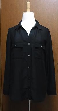 X 素材が中途半端:着てサマにならない:ブラックシャツ
