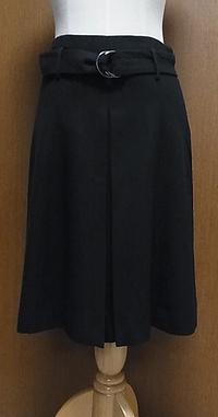 ブラックウールフレアスカート