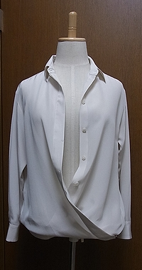 オフホワイトシルクシャツ