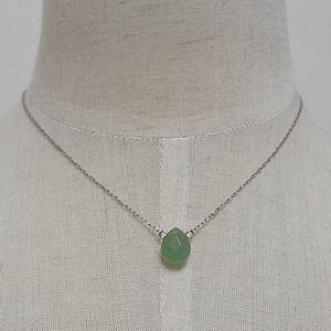 グリーン天然石シルバーネックレス