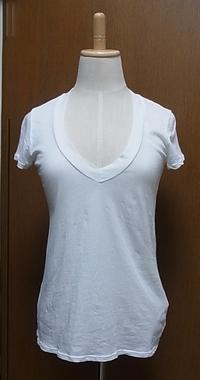 ホワイト深VネックTシャツ