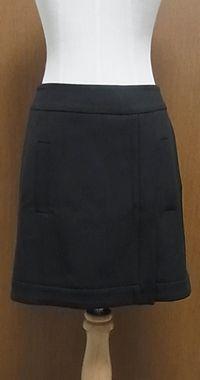 X ZARAで買ったスカート。素材が・・・