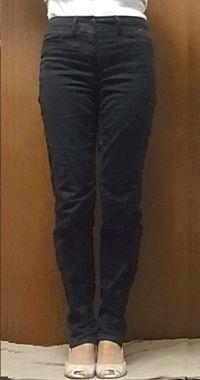 ◎ シンプルな黒パン 黒はシワが目立ちにくい・・ほぼ毎日穿いていたこともあったかな